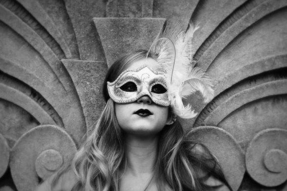 Behind the Mask By Robert MacNeil